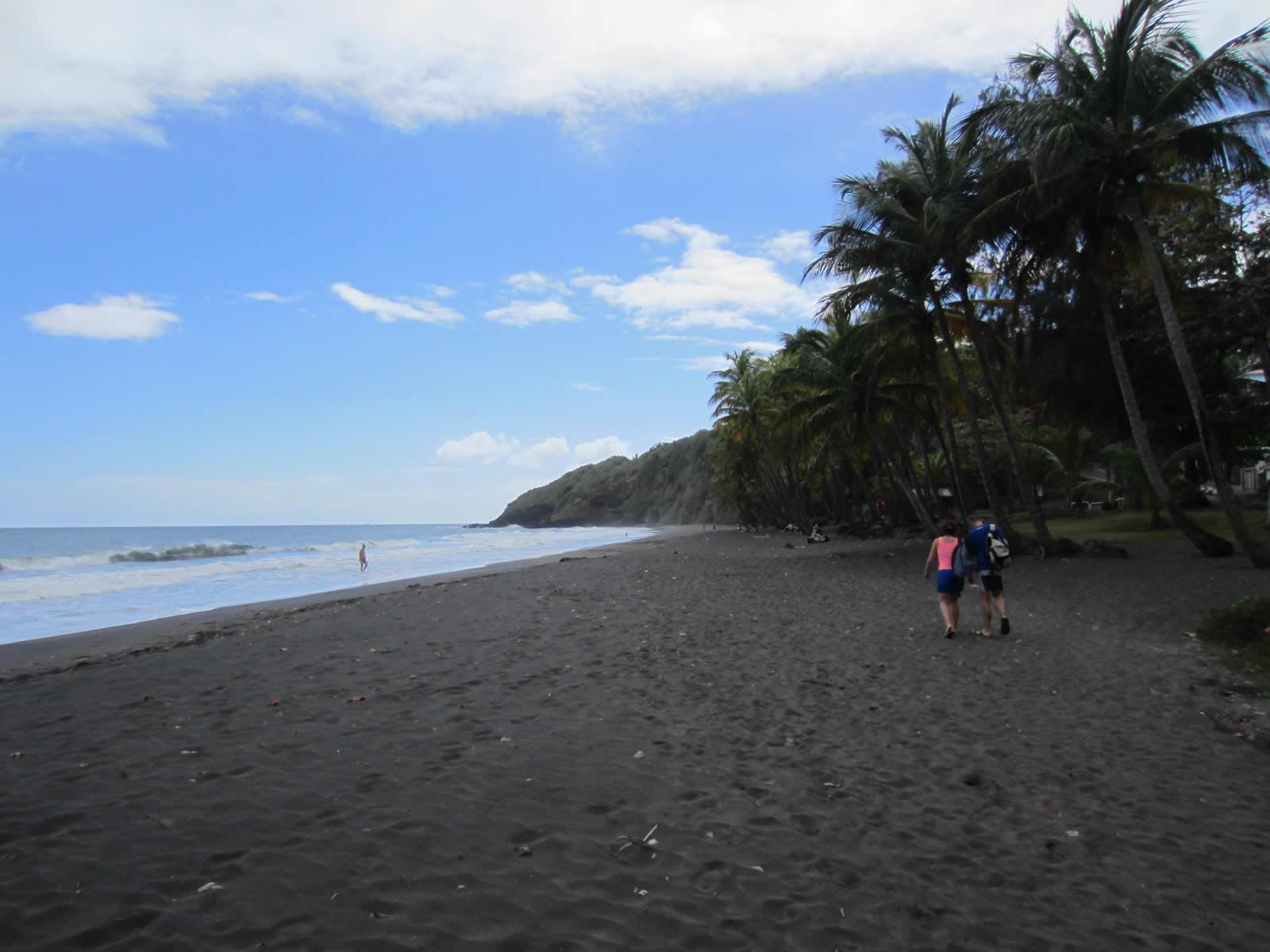 plage sable noir guadeloupe
